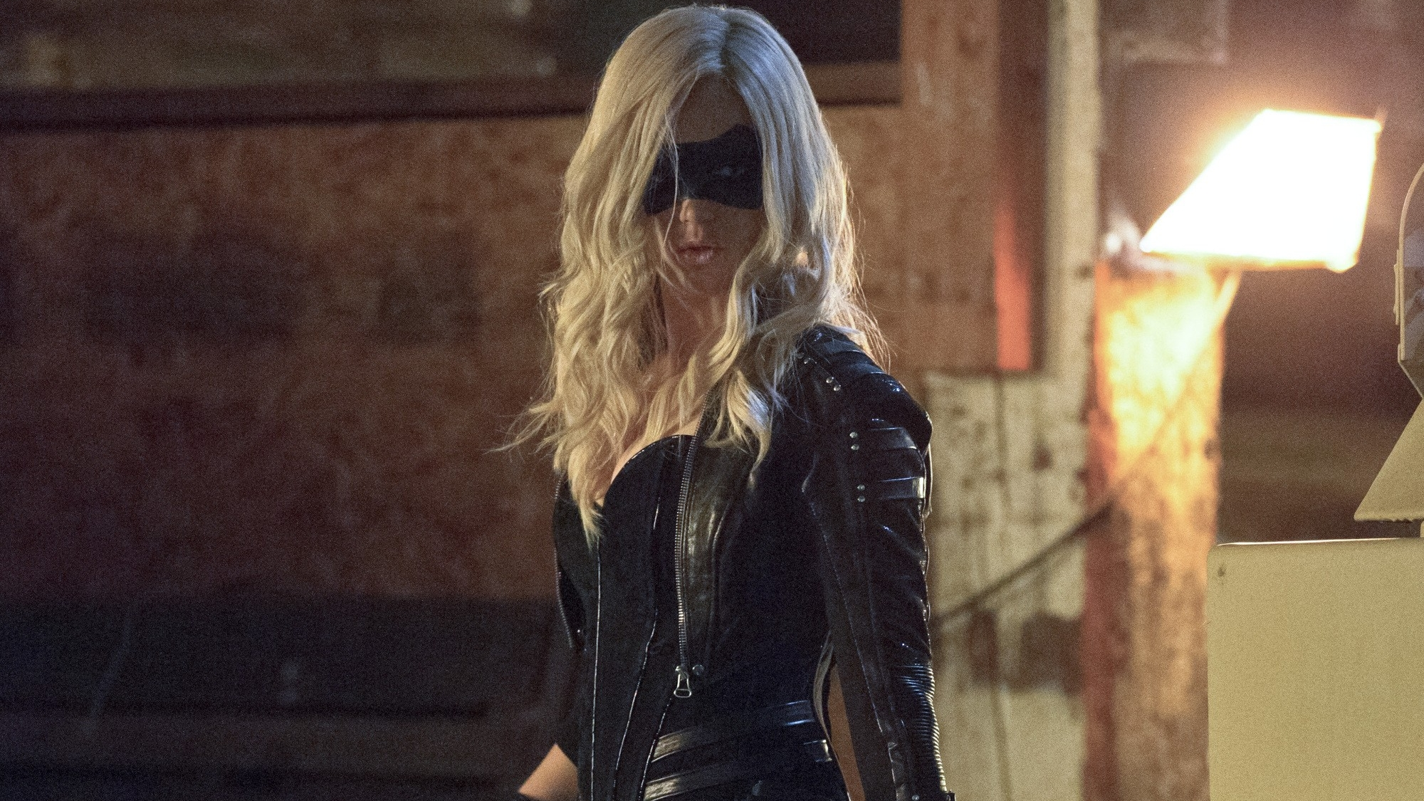 Download Wallpaper From Tv Series Arrow With Tags Black Canary